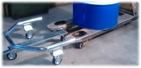 It is very easy to place/remove the drum from the Nimatic Drum Trolley with a pallet lifter or a pallet truck.